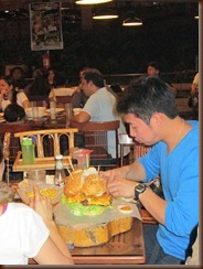Goliath burger 011