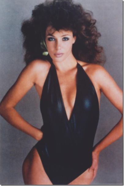 80s-cleavage-love-28