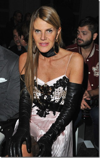 Anna dello Russo Givenchy Front Row Paris 8_1wbv3UyPEl
