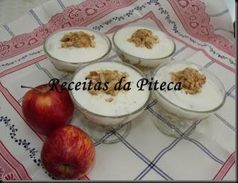 Doce de maçã com iogurte e palmiers de canela