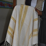 Striped hand towel in natural with goldDSC_0896.JPG
