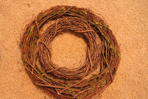 How To Make a Deco Poly Mesh Wreath.