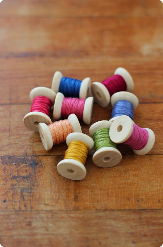 spool and thread garland from alwaysinwonder (4)