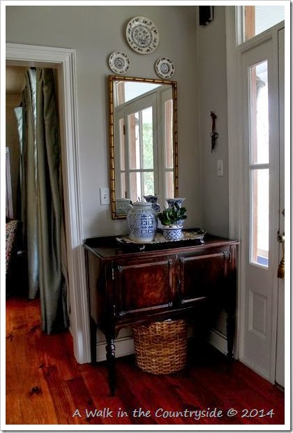 foyer vignette