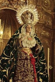esperanza-guadix-vestida-para-la-coronacion-canonica-de-la-soledad-alvaro-abril-2012-(15).jpg