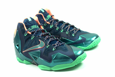 lebron11 akron vs miami 05 web white The Showcase: Nike LeBron XI Akron versus Miami. Part One.