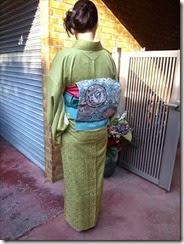 素敵な色留袖を着付けに (1)