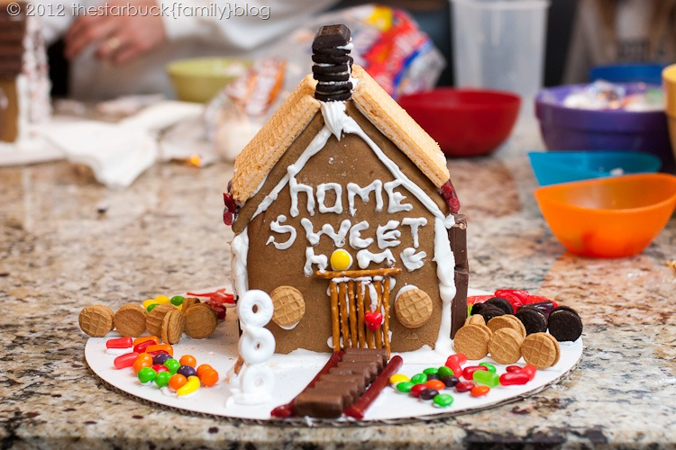 Gingerbread Houses 2012 blog-15