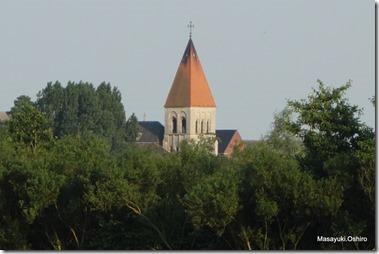 隣町Berlaarの教会