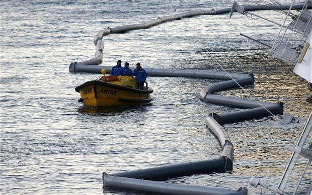 Costa Concordia: απειλεί με οικολογική καταστροφή τη Μεσόγειο (video)