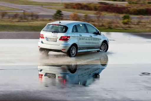 Mercedes-B-Class-F-Cell-03.jpg