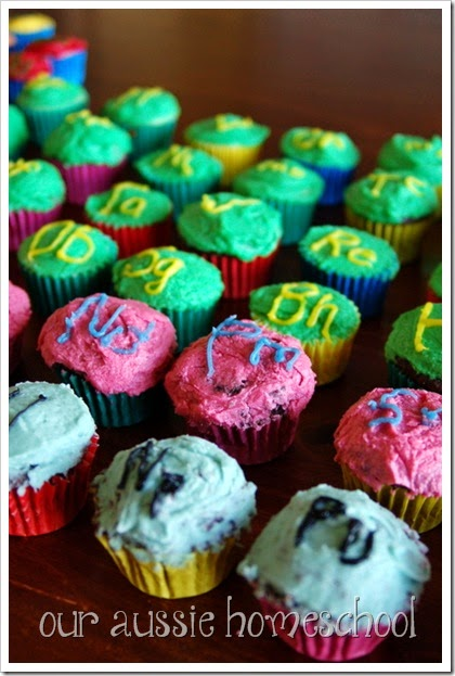Our Aussie Homeschool | Periodic Table of the Elements- in Cupcakes!