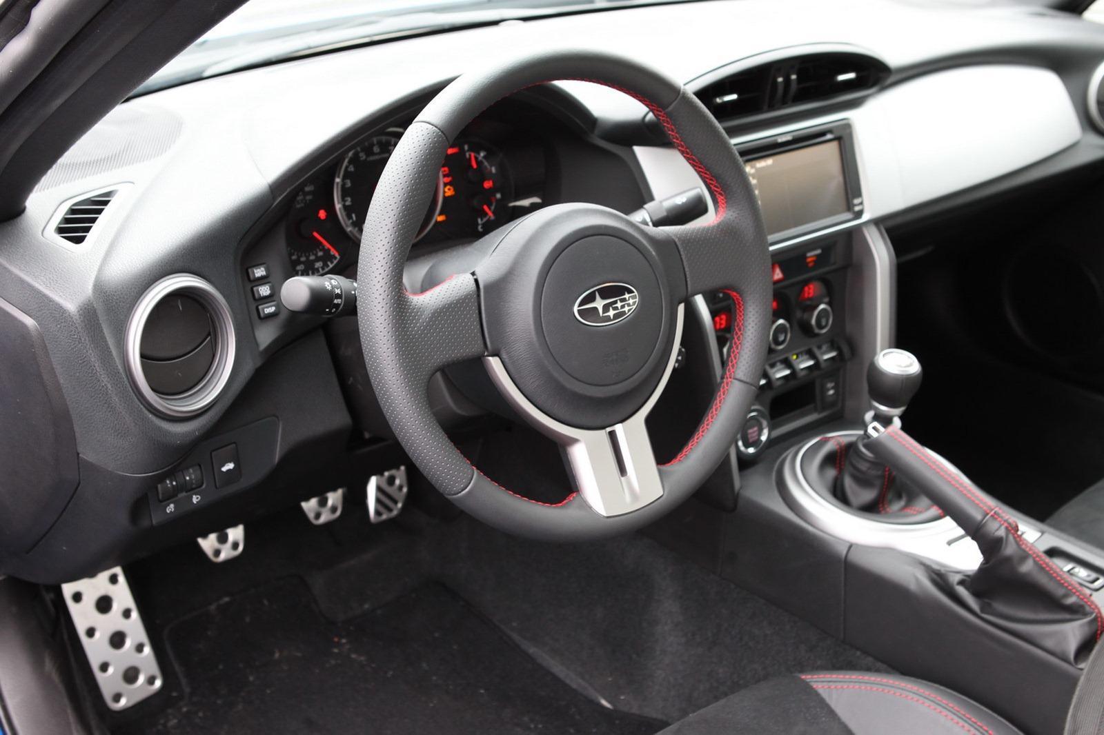 2013-Subaru-BRZ-Coupe-Interior-2.jpg?imgmax=1800
