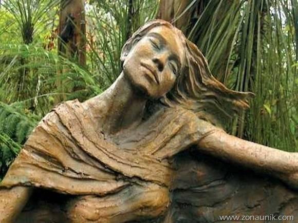 beautiful-wooden-sculptures17