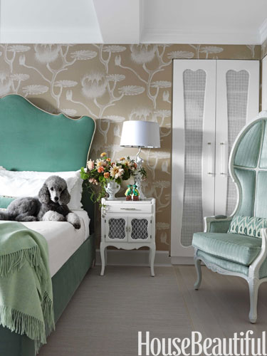 a-hbx-grey-poodle-bedroom-0312-galli-lgn.jpg