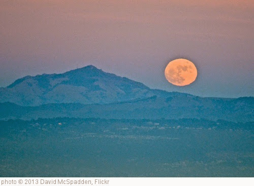 'Moonrise beside Mt. Diablo' photo (c) 2013, David McSpadden - license: https://creativecommons.org/licenses/by/2.0/