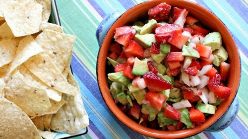 strawberry-avocado-salsa_lori-lange