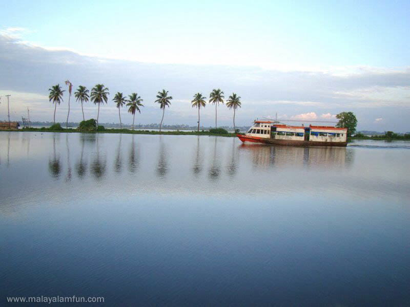 Oru Kuttanadan Yathra: The scenic view of Kerala(South India)