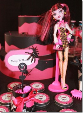 latinhas monster high