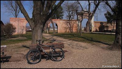 Bicicleta Kona inchiriata de la HyperSport