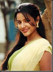 priya-anand in saree3
