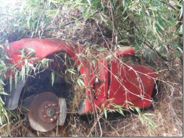japan-graveyard-old-cars-37