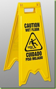 wet floor spanish