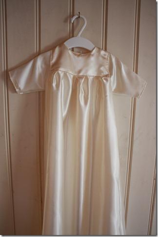 Håndlaget dåpskjole heklet blonder IMG_2062