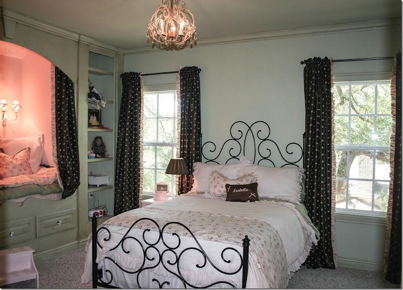 Girl's Room1