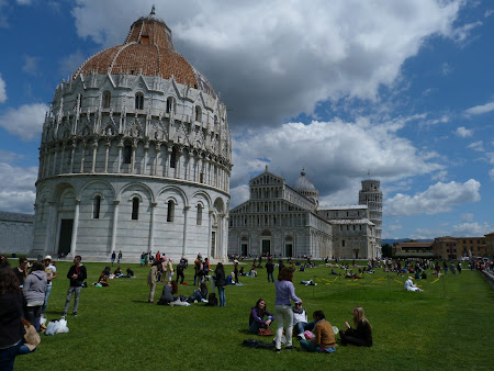 Obiective turistice Pisa: Piazza dei Miracoli