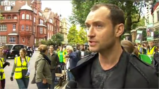 Actor Jude Law and musician Damon Albarn have joined hundreds demonstrating in London on 5 October 2013 over piracy charges brought by Russia against 30 Greenpeace activists. Jude Law said, 'I've been a supporter of Greenpeace for many, many years'. Photo: BBC news