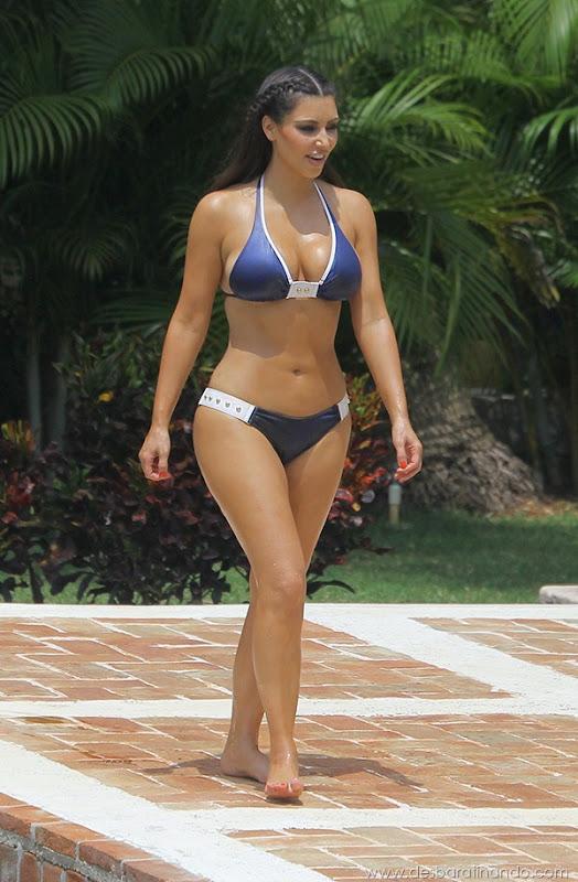 kim-kardashian-linda-sensual-sexy-sedutora-boob-peitos-decote-ass-bunda-gostosa-desbaratinando-sexta-proibida (54)