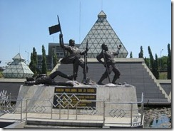 patung tugu pahlawan