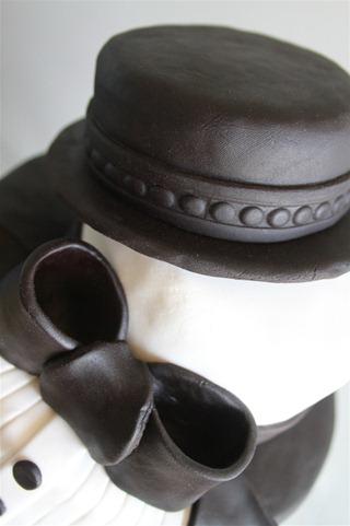 Tuxedo Groom's Cake (9)