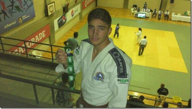 Lucas_Medalha_Ouro