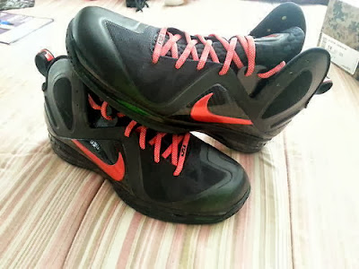 nike lebron 9 ps elite black red pe 1 01 #TBT: Nike LeBron 9 P.S. Elite Hunger Game #6 Logo PE