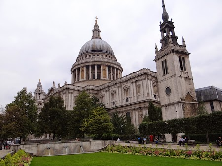 10. St Paul Cathedral (2).JPG