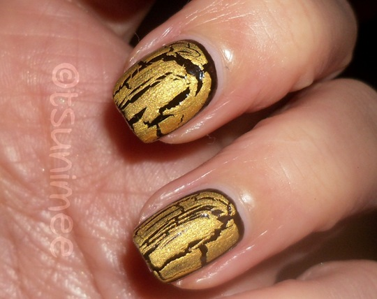 beautyuk-night-fever-gold-shatter-polish10