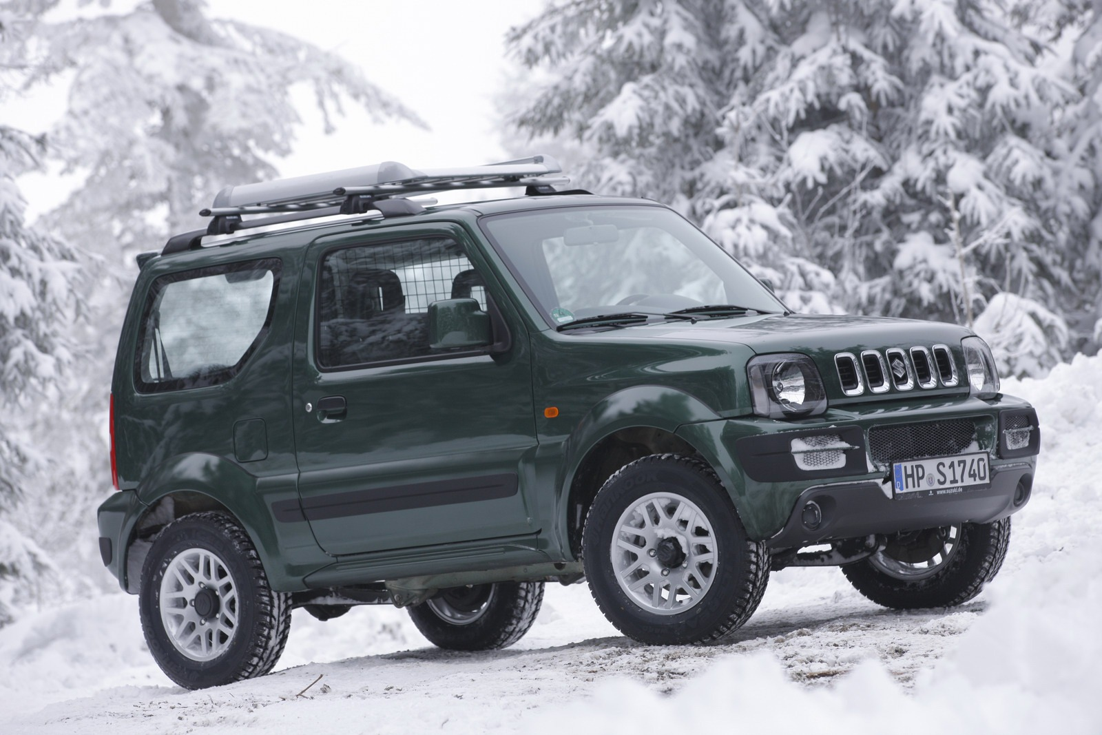 new suzuki teasers may hint at jimny samurai 4x4 concept latest news and advices. Black Bedroom Furniture Sets. Home Design Ideas