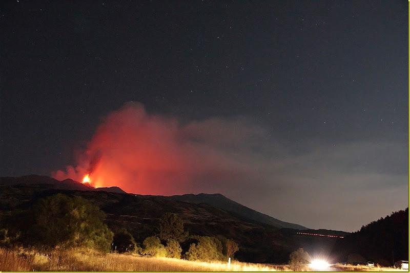 Cassiopea e Etna in eruzione