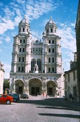 2003.08.24-162.11 église St-Michel