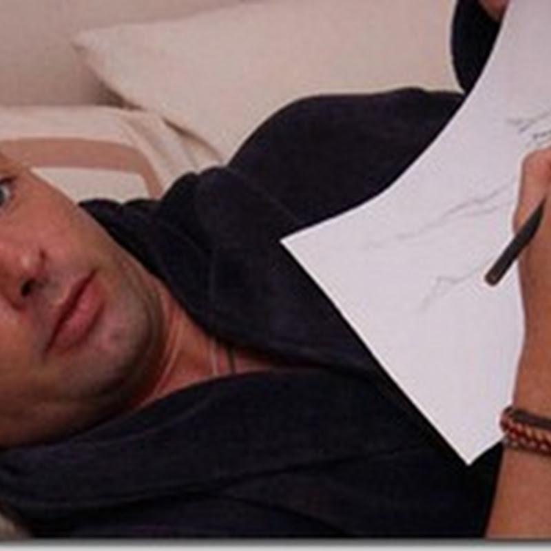 فيديو : يرسم لوحات فنية بملايين الدولارات وهو نائم