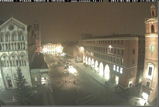 Webcam Comune di Ferrara - Piazza Trento e Trieste