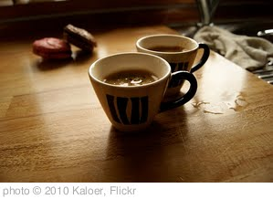'Coffee' photo (c) 2010, Kaloer - license: http://creativecommons.org/licenses/by/2.0/