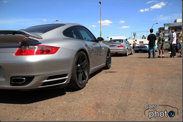 Porsche, BMW e GT com logo