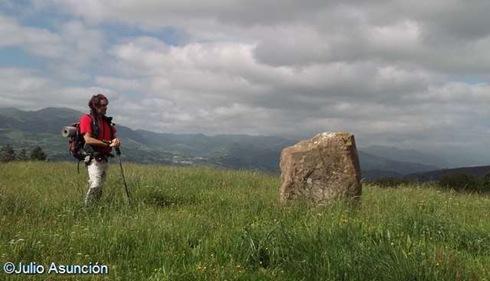 Menhir de Saroiko Bisker - ruta Unboto