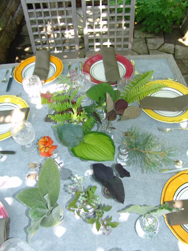 A simple and interesting centerpiece for lunch on the western terrace. I collected various leaves from the grounds and garden, then put them into small bud vases.