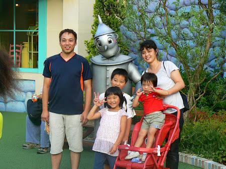 Imagini Universal Studios: japonezi cu Omul de Tabla