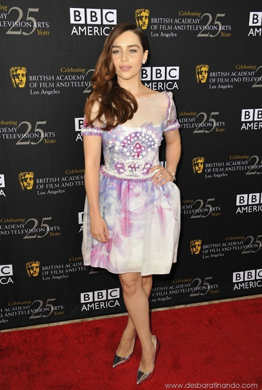 emilia-clarke- Daenerys-Targaryen-linda-sexy-game-of-trhones-guerra-dos-tronos-sexta-proibida-desbaratinando (66)