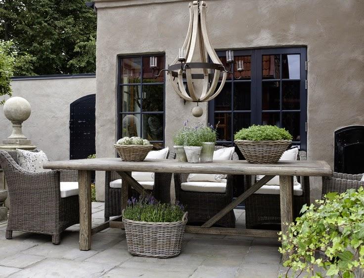 Wat zet je op je tuintafel de wemelaer for Terras decoratie